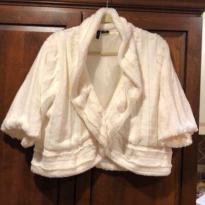 New directions white faux fur xl jacket coat EUC